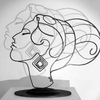 Amy-acier-bruni-2-winhouse-sculpture-edition-femme-portrait-beaute-laure-simoneau-art-decoration-limitee-hommage