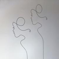 femmes-d-Afriqiue-1-2-lor-femme-laure-simoneau-sculpture-fil-de-fer-wire-art-artwork-paris-oneline-atelierlor-esthetique-geisha-fildeferiste-shadow