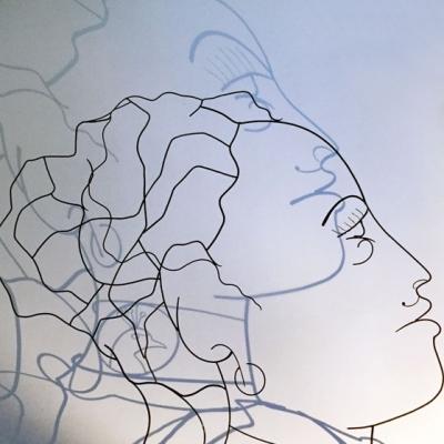 Hera-ombre-2-deesse-sculpture-wire-fil-de-fer-laure-simoneau-portrait-femme-monumentale-art-contemporainartiste-sculpteur-woman-personnage-grece-grecque-mariage-amour