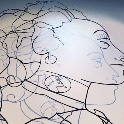 Hera-ombre-3-deesse-sculpture-wire-fil-de-fer-laure-simoneau-portrait-femme-monumentale-art-contemporainartiste-sculpteur-woman-personnage-grece-grecque-mariage-amour