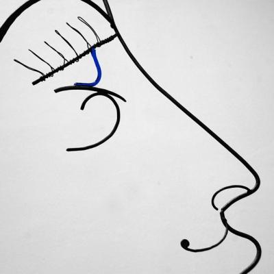 hera-oeil-deesse-sculpture-wire-fil-de-fer-laure-simoneau-portrait-femme-monumentale-art-contemporainartiste-sculpteur-woman-personnage-grece-grecque-mariage-amour