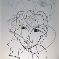 l-inncence-2-sculpture-lor-laure-simoneau-portrait-femme-or-fil-de-fer-wire-gold-ombre-poesie