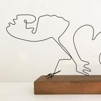 La-femme-caméléon-serie-guernica-picasso-laure-simoneau-lor-sculpture-fil-de-fer-wire-art-sculpture-artiste-espagne-guerre-paix